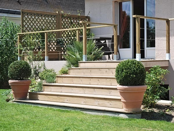escalier terrasse bois kit diverses id es de conception de patio en bois pour. Black Bedroom Furniture Sets. Home Design Ideas